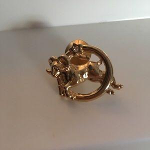 Aries astrology goldtone brooch / pin